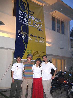 Indonésia, May 2004